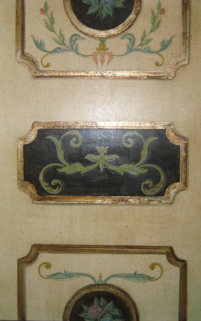 ... di decorazioni per porte, sportelli in legno con varie finiture
